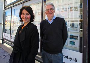 Hälsinglands Fastighetsbyrås ägare Ann-Sofie Lundvall och hennes far Bernt Larsson.