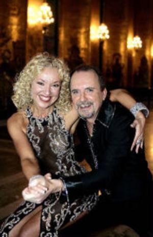 I programmet Let's dance paras kända tv-profiler ihop med Sveriges bästa tävlingsdansare. Ett av paren är Malin Watson och Peppe Eng.