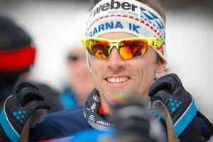 Johan Olsson har haft en tuff period med sjukdomar. Trots det ledde han länge Åre Cross Country Open. Nu väntar semester för femmilskungen innan laddningen mot OS börjar.
