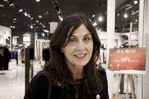 Sofia Höglund, som driver Guts, anpassar musikvalet i butiken efter kunderna.