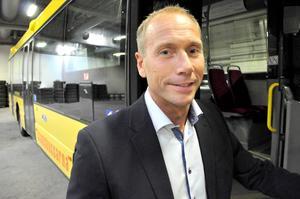 Efter flera års strul – nu kan man betala med vanligt kontokort på Stadsbussarna.