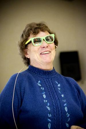BAKOM MINA SOLGLAÖGON. Ta på er matteglasögonen och se omvärlden i olika former och siffror. Den uppmaningen ger Ingrid Olsson.