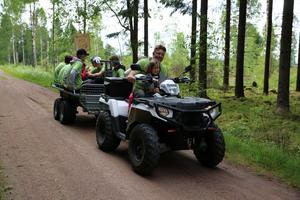 Jocke Lundberg, ledare för P01 körde tillbaka killarna till utgångsplatsen vid Dragsängarna.