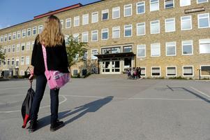 Maria förstod först inte att hon blivit utsatt för ett övergrepp. När hon kom till skolan på måndagen möttes hon av hån och glåpord. Flickan på bilden har inte med artikeln att göra.