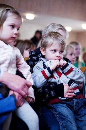 Emma Myrland och Mattias Myrland från Pilgrimsta var två ur publiken som lyssnade på musikalen.