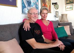 Efter 31 år i Australien har dottern Britt-Inger hittat hem till Sundsvall igen. Far och dotter sätter stort värde på att ha nära till varandra igen.