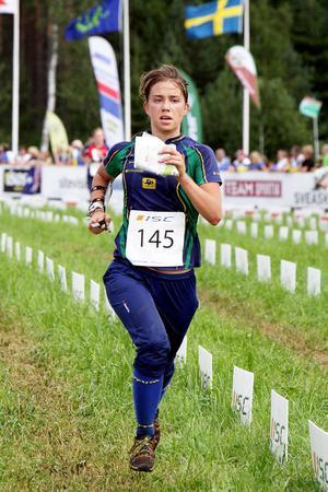 Sofia Törnqvist, Alfta-Ösa-löparen, gick i mål mitt i damfältet.