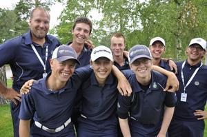 Det svenska laget i pojk-EM. Hampus Bergman, Lannalodge, står längst till höger i främre raden.