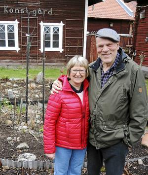 Margot och Tomas Holst har i många år drivit Dala-Järna Konstgård som nu byter namn till Dala Konstmuseum.