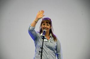 Säg hej till publiken! Mässvärd Anneli Nilsson.