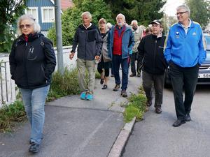 En stor skara människor deltog i vandringen runt Hornsberg på Frösön.   Foto: Karl-Erik Jansson