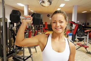 Kramforstjejen Denice Moberg gör en rekordsnabb karriär som fitnessutövare och på sociala medier.