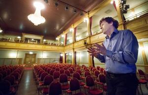 Stefan Karlsson berättar att teatersalen i sig kommer lämnas helt orörd. – Den är redan i rätt stil, så vi behöver inte göra något här. Den här typen av lokal finns ingen annanstans, säger han.