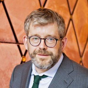 Carl Melin är filosofie doktor i statsvetenskap och forskningsledare på TCO:s tankesmedja Futurion. Han är uppväxt i Ludvika och tidigare SSU-ordförande i Dalarna.