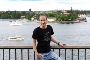 Johan sökte tjänsten som ytbärgare för att kunna göra något bra. Då visste han inte att han året därpå skulle delta i en av Sveriges största räddningsaktioner till sjöss.