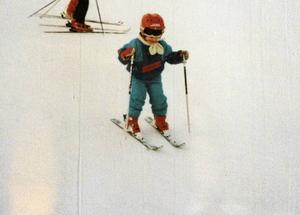 Ida fyra år gammal, i en slalomtävling i Björnrike år 1989.