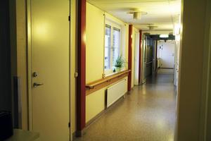 Ovanåkers kommun har i dag två överfulla HVB-hem för ensamkommande. I februari tar man det tredje i bruk och fram till dess, gör man en paus i mottagandet av ensamkommande barn och ungdomar
