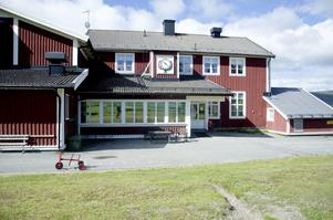 Det börjar bli trångt på förskolan i Klövsjö. Därför har Bergs kommun beslutat att bygga ut förskolan – som framåt våren kommer innehålla 23 barn.