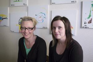 Bodum skolas rektor Anna Lidén och förskolläraren Nina Sundin är glada över flyktingarna eftersom de räddat skolan.