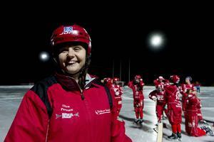 Ellen Persson tycker att hennes Söråker är hyfsat förberedda för World Cup. Laget har fyra fem pass på fullstor is, efter en träningsmatch mot Sandviken och ett läger i Rättvik.