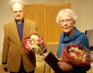 Britt Lindblad och Håkan Nilsson tilldelades 2013 års stipendium ur Berghagens fond.    Foto: Christer Holm