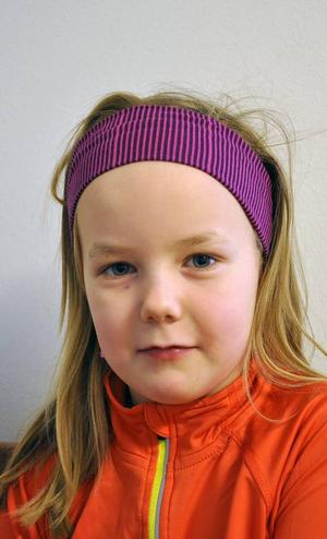 Felicia Sångvall från Nälden fyller 9 i år och gillar Idas sommarvisa och Lille katt.
