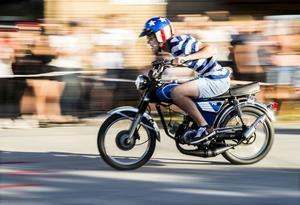 Dragracet bjöd på farter långt över 30 kilometer i timmen. 17-årige Love Persson tog även hem priset för peoples choice.