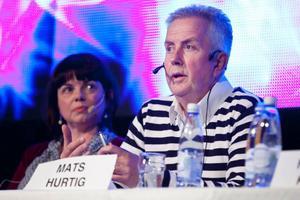 Mats Hurtig är både kultursamordnare i Krokom och revykung i Östersund.