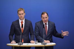Statsminister Stefan Löfven (S) och utbildningsminister Gustav Fridolin (MP).