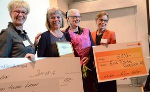 Prisutdelning för Årets kvinnoföretagare 2013. På bilden Elisabeth Sverresson från Länsförsäkringar, pristagare Eva Novak från Varsam AB, landshövding Rose-Marie Frebran samt Eva Jouper från Swedbank.
