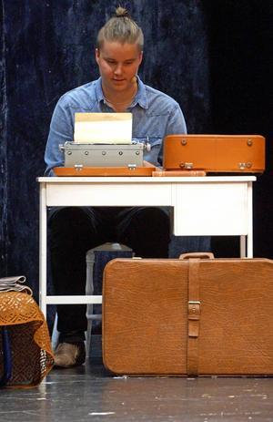 Tobias Johansson spelar Cliff. En stor roll i musikalen Cabaret.