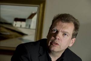 """Inspirerad av konsten. Den norske författaren Frode Grytten har skrivit novellsamlingen """"Rum vid havet, rum i staden"""" med utgångspunkt från Edward Hoppers målningar. Foto: Jonas Ekströmer/Scanpix"""