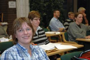 PÅHEJARE. Jenny Lundström (MP försökte dra igång debatten i kommunfullmäktige i Tierp.