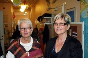 För Margareta Norborg t.v och Margareta Nilsson fylldes avslutningen med starka känslor. Deras bästa avskedspresent är beskedet att Fröstuna skola blir kvar även nästa läsår.