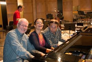 Nej, Beethovens trippelkonsert är inte för tre pianister. Men det är Åke Hedman, Mona Kontra och Gilles Apap som ska spela.