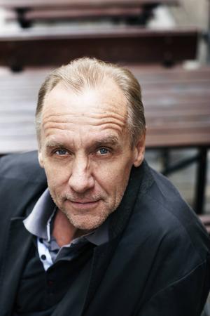Håkan Nesser inspireras av Astrid Lindgren i nya romanen.
