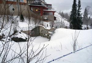 Mannen hittades ihjälfrusen i Susabäcken vid Tott hotell i Åre.