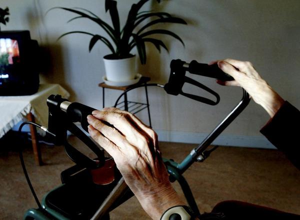 Kvalitativ vård. Vad behövs för att kunna ge de gamla en bra innehållsrik ålderdom? Jo, personal som har tid och ork att engagera sig, skriver Kenneth Ström.