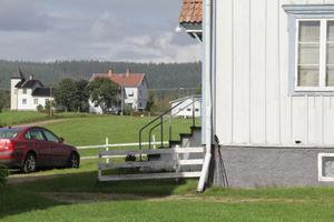 Fiberkabel drogs först till bönhuset, längst till vänster i bild, för cirka 10 år sedan.