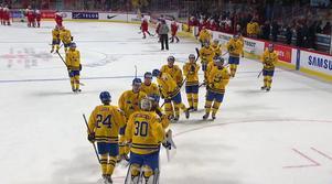 Juniorkronorna tackar efter segern mot Tjeckien.