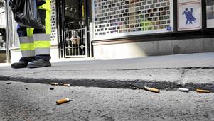 Varje år kastas mer än en miljard fimpar på marken i Sverige och hela 80 procent av allt skräp är i dag tobaksrelaterat, skriver Johanna Ragnartz.