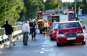 Sex bilar och 19 personer var iblandade i seriekrocken, varav 11 fördes till Sundsvalls sjukhus.