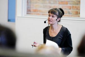 Nina Björk föreläste inför en överfull sal på Mittuniversitetet i går kväll.
