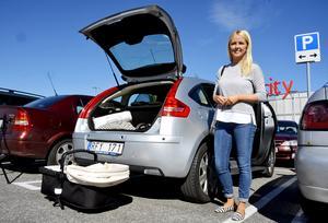 – Jag tycker det är otroligt dåligt. Man måste stå för det man har gjort, säger Anna-Karin Erikssson, pensionsrådgivare från Sidsjö, med anledning av att smitning från trafikolyckor och p-skador ökar.
