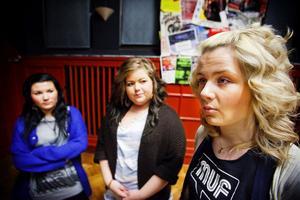 Sundsvallstjejerna Malin Buhlér, 16 år, Mathilda Söderberg, 17 år och Elin Nilsson, 17 år, har startat intressegruppen