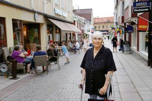 Ulla Zetterberg är upprörd. Hon har själv tagit kontakt med inblandade parter och förstår inte hur man har kunnat ta detta beslut.