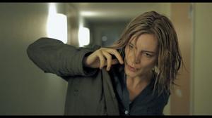 Malin Crépin spelar en av kvinnorna i kortfilmen
