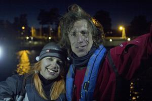 Under knappt en vecka ska Oskar Kihlborg och Kim Nordlund ta sig runt Södertörn med en segeljolle och en mindre roddbåt.
