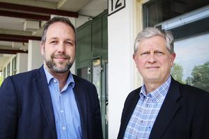 Mattias Åhlund och Thomas Winqvist, Hälsinglands utbildningsförbund, gläds över bokslutet för 2015.