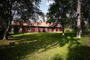 Odensängs gård är en gammal och närmast intakt bondgård. Ladugården ser i dag i princip ut som den dagen när jordbruket lades ned.